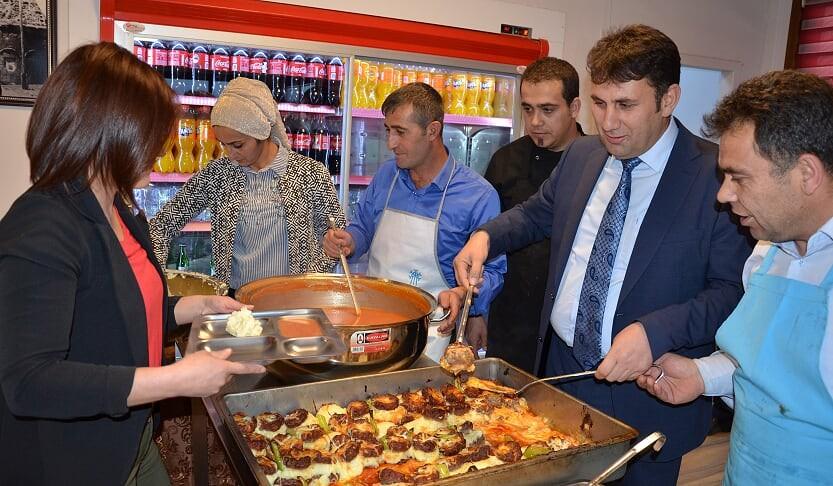 Başkan Yaşar'dan iftar yemeği
