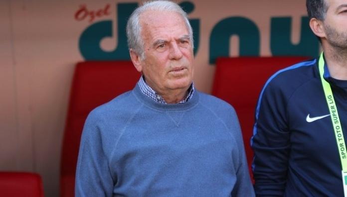 Mustafa Denizli'nin takımı Traktör Sazi, Erzurum'da kamp yapacak