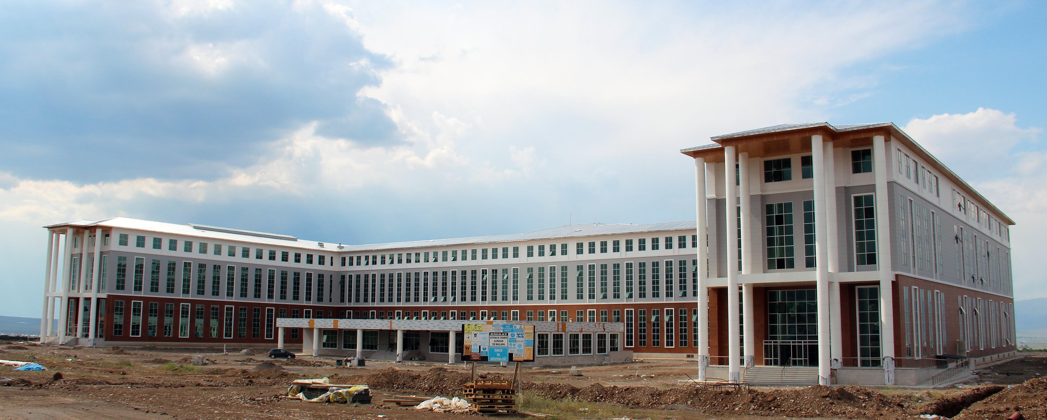 Doğu Anadolu'nun en büyük eğitim bina inşaatı bitmek üzere