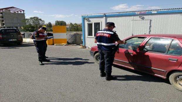 """Jandarma trafik ekiplerinden """"Hayatı korumak için kemerin ses getirsin"""" uygulaması"""
