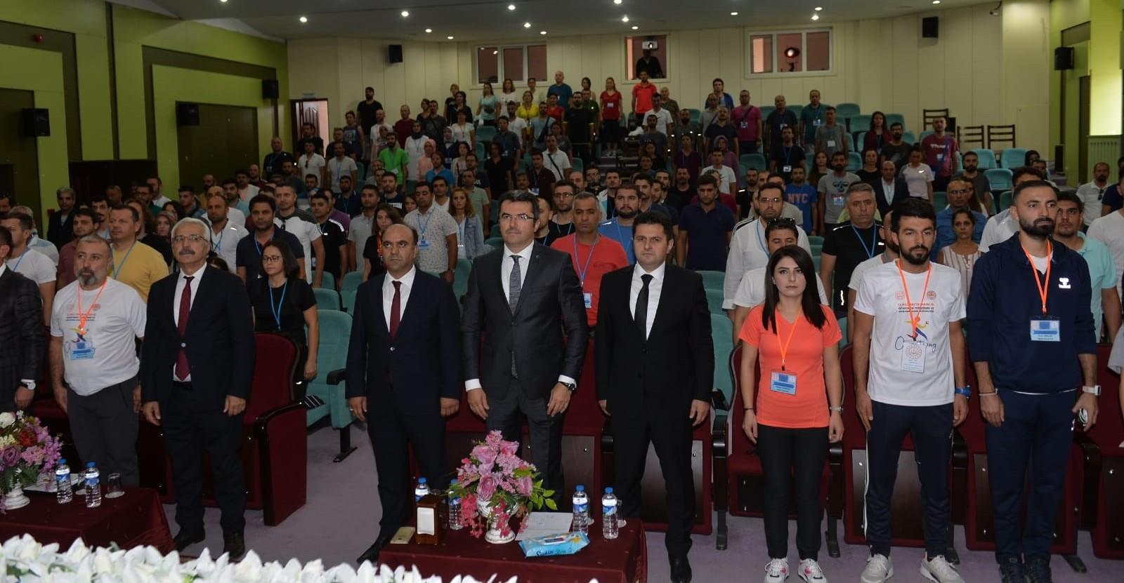 Öğretmenler Erzurum'da oryantiring kursunda