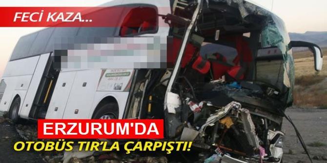Erzurum'da Yolcu otobüsü ile tır çarpıştı: 17 yaralı