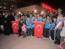ASA'lı minikler Erzurum'a döndü