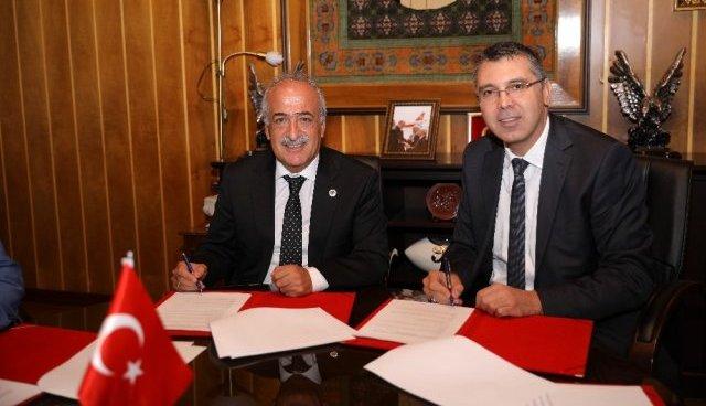 Kornea nakline yönelik iş birliği protokolü imzalandı