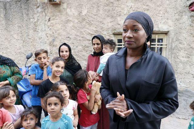 Ünlü şarkıcı Della Miles Mehmetçik'e destek için Şanlıurfa'ya gitti