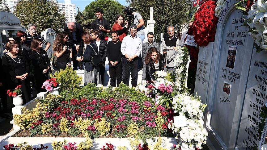 Usta foto muhabiri Ara Güler mezarı başında anıldı