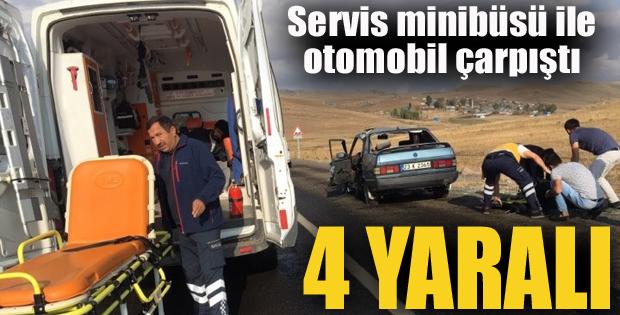 Erzurum'da Servis minibüsü ile otomobil çarpıştı: 4 yaralı
