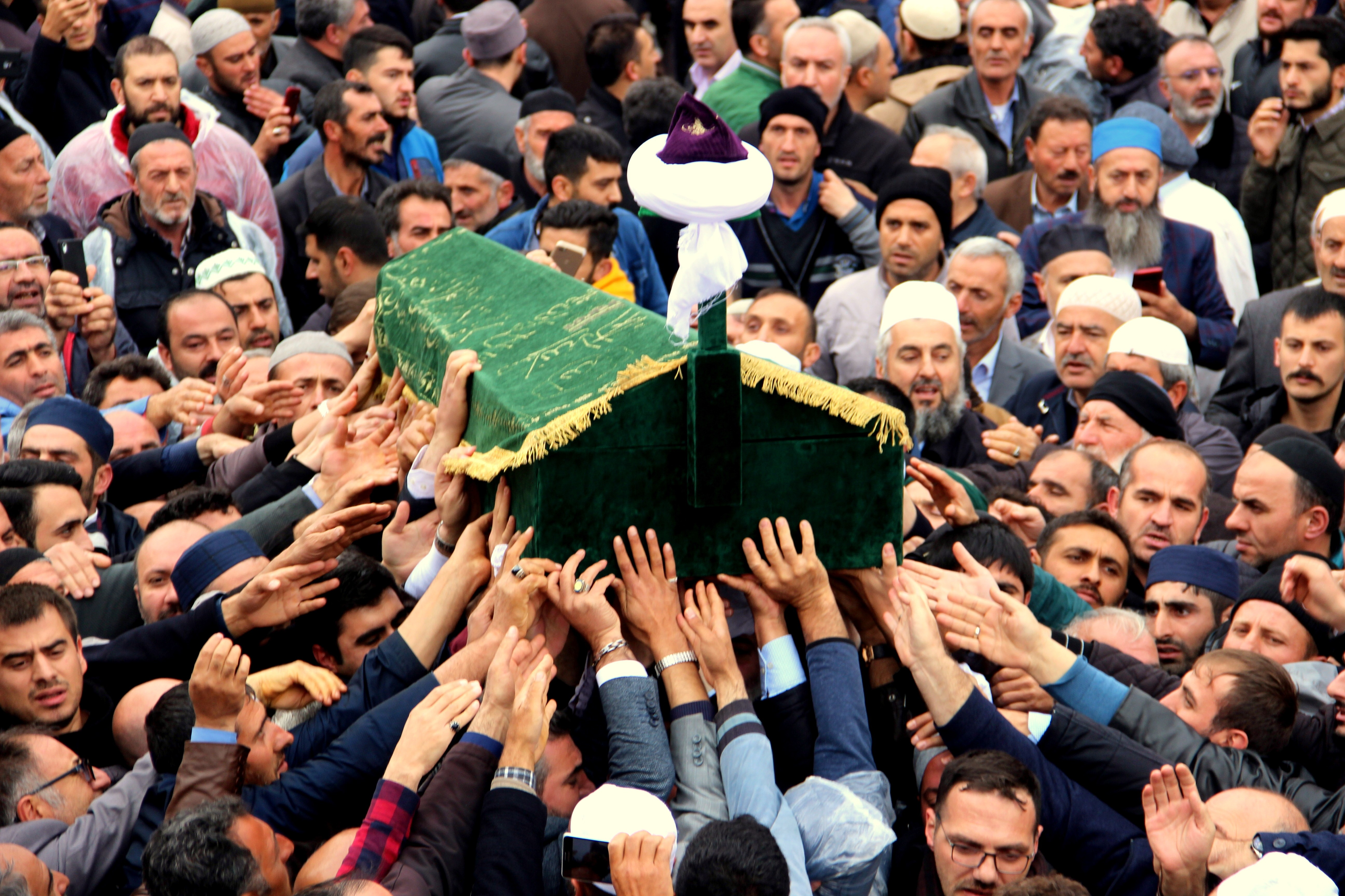 Bilgin'in cenaze namazında izdiham yaşandı