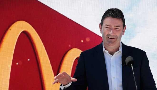 McDonald's CEO'su Steve Easterbrook kovuldu