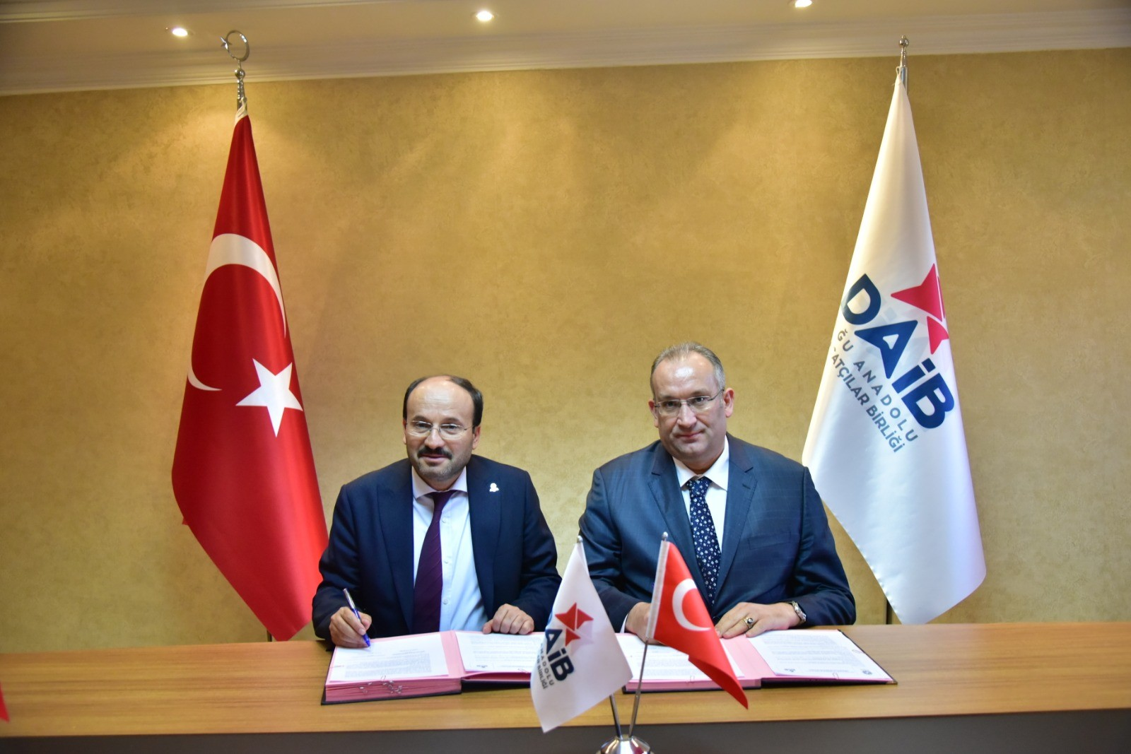 DAİB ve ETÜ'den işbirliği protokolü