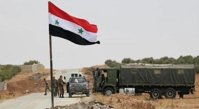 Suriye ordusu Türkiye sınırına konuşlandı