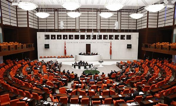 Meclis'e sunuldu: Yüz binlerce memuru ilgilendiriyor, para ödülü, izin, terfi ve tayinlere yeni düzen