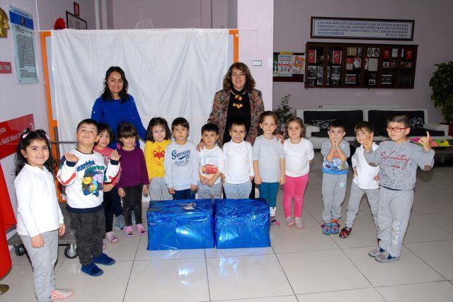 Kırıkkaleli öğrencilerden köy okuluna kırtasiye ve kıyafet yardımı