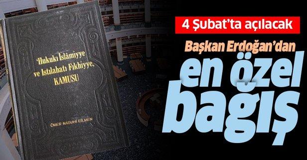 Erzurumlu ismin kitabını hediye ediyor