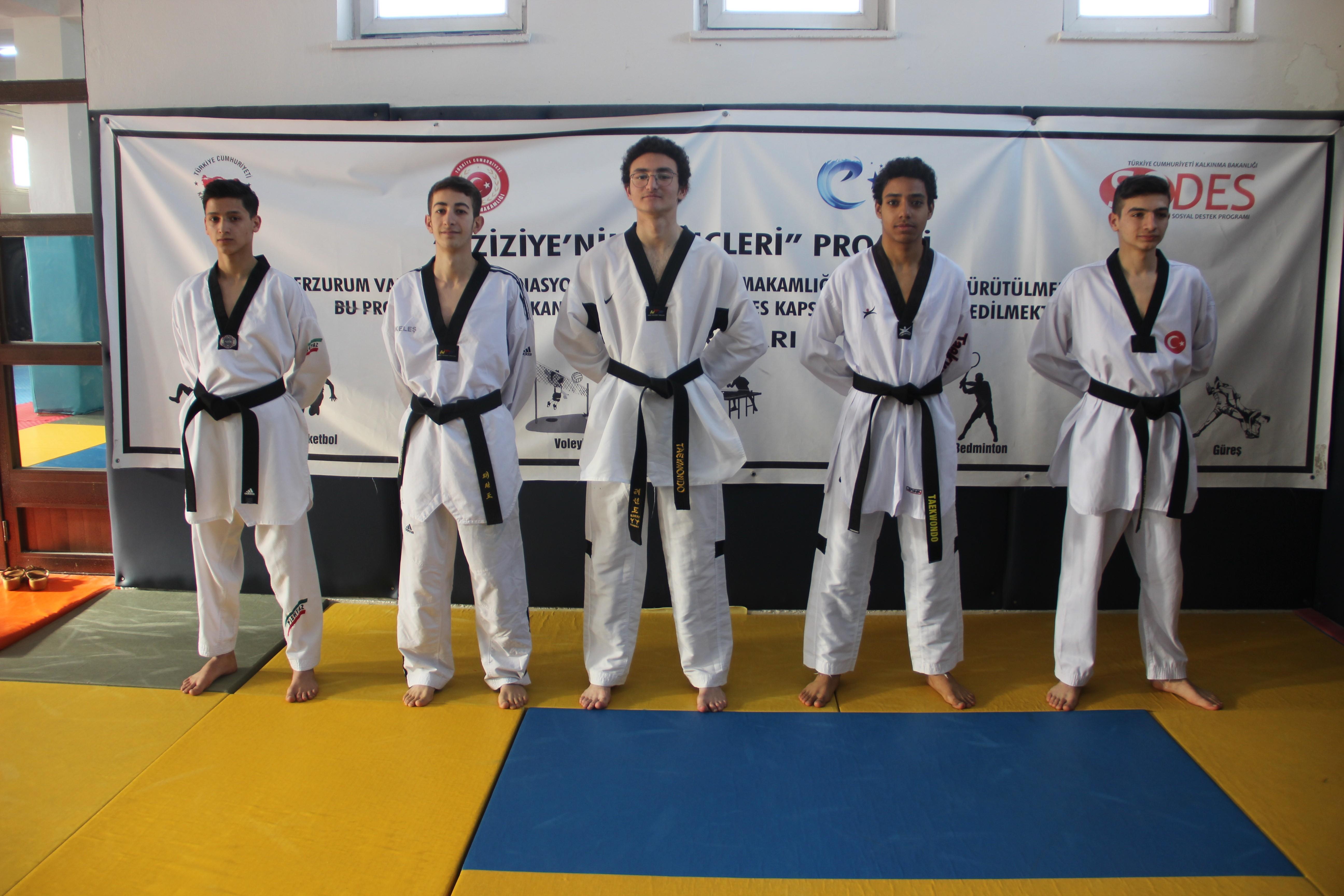 Erzurumlu taekwondocuların başarısı gururlandırdı