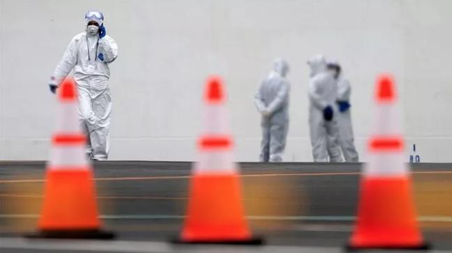 Avrupa'da korkulan oldu! Fransa'da koronavirüsten ilk ölüm