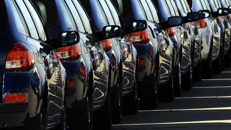 Sıfır otomobil pazarı vites küçültmüyor