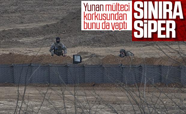 Yunan askerleri sınıra siper kazıyor