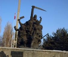 Erzurum'da anıta saygısızlık