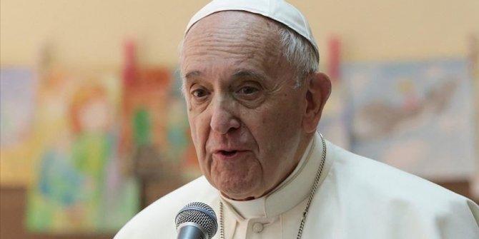 Virüs Vatikan'ın kalbine girdi