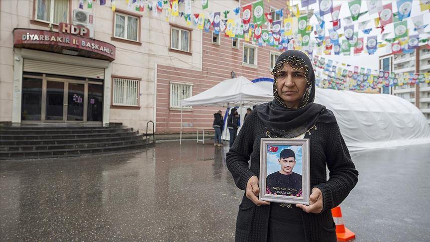 Diyarbakır annelerinden Küçükdağ: Oğlum ne olursun gel devletimize teslim ol