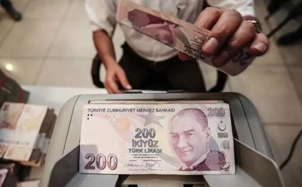 Bankalardan vatandaşlara salgın desteği! 10 bin TL, 6 ay ödemesiz kredi...
