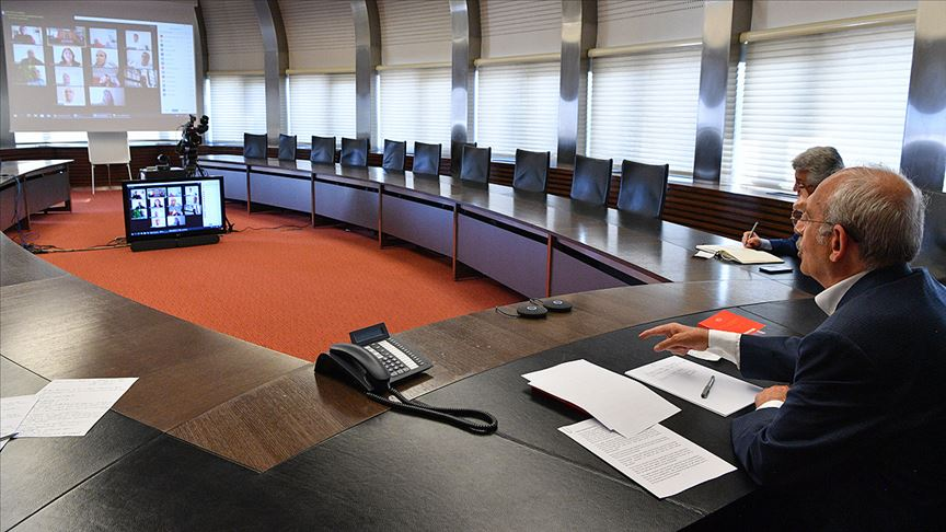 Kılıçdaroğlu apartman görevlileriyle video konferansla görüştü