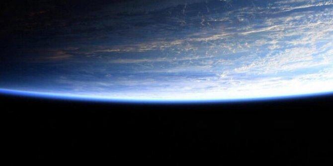 SpaceX'in ilk astronotunun paylaştığı fotoğraf, tartışmaları alevlendirdi