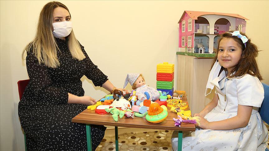 Erzurum Şehir Hastanesinde çocuklar 'güle oynaya' tedavi ediliyor