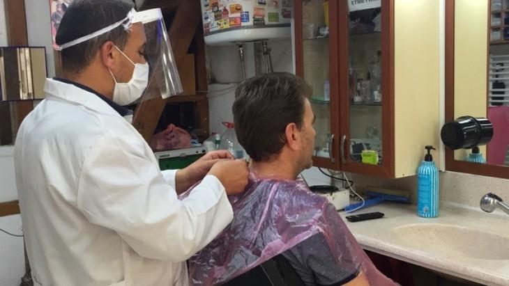 Sağlık Bakanlığı açıkladı, Berber, kuaför ve marketlerde yeni korona virüs tedbirleri