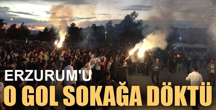 Erzurumspor taraftarları sokaklara döküldü