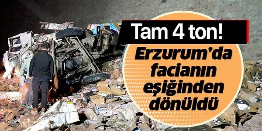 Erzurum'da Patlayıcı yüklü kamyon devrildi: 2 ölü