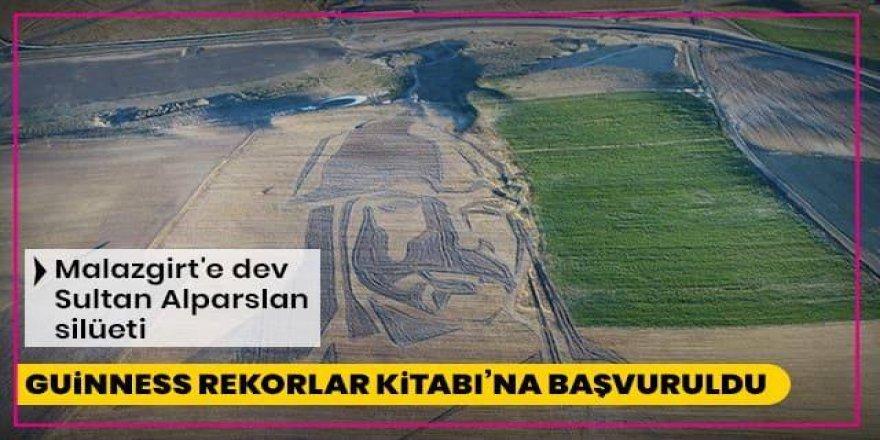 Guinness Rekorlar Kitabı'na başvuruldu: Malazgirt'e dev Sultan Alparslan silüeti