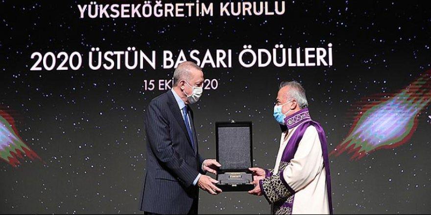 YÖK 2020 Üstün Başarı Ödülü Atatürk Üniversitesi'nin
