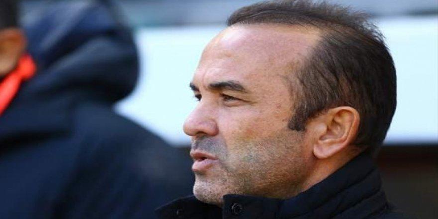 Erzurumspor'da Mehmet Özdilek'ten VAR tepkisi! 'Bir değil, beş faul'