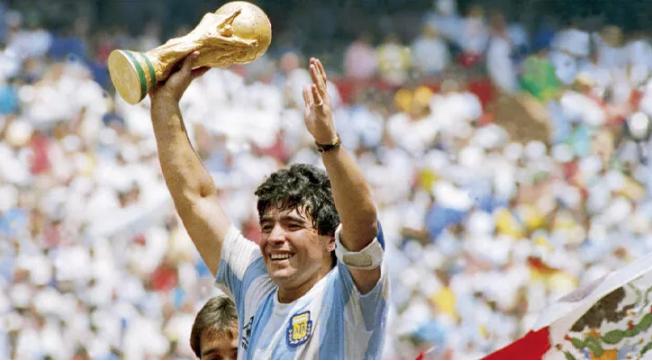 Diego Maradona hayatını kaybetti!