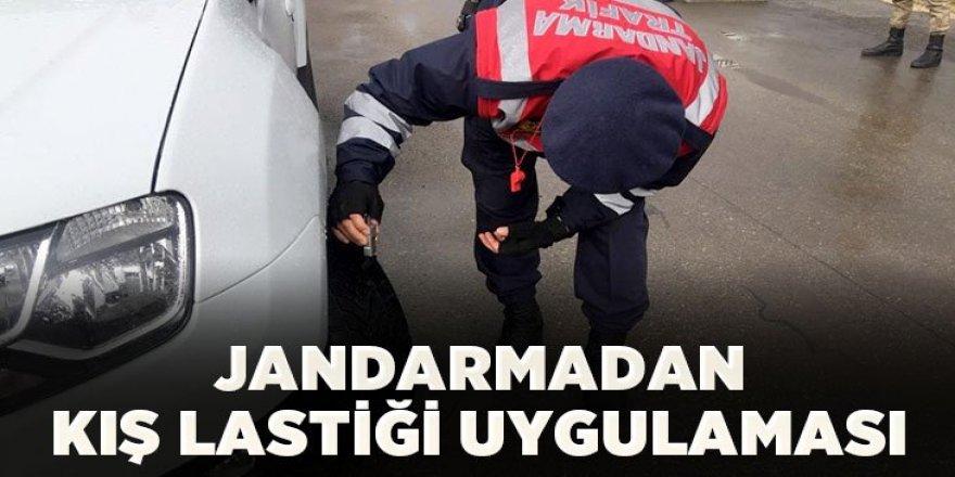 Jandarma trafik ekiplerinden kış lastiği uygulaması