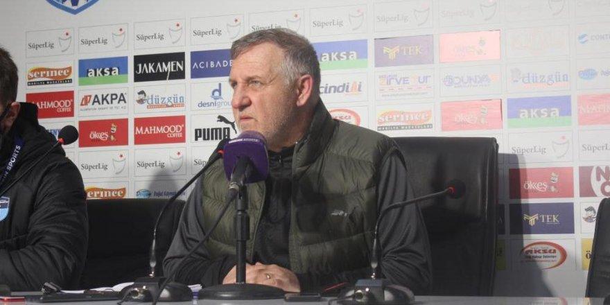 """Bakkal: """"Kazanamadığımız için üzgünüm ama bir puan önemli"""""""