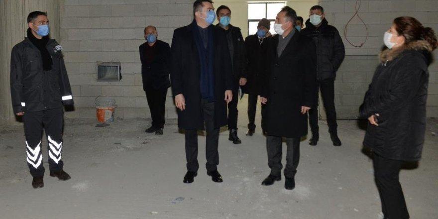 Vali Okay Memiş, Aşık Sümmani Kültür Merkezi'nde incelemelerde bulundu