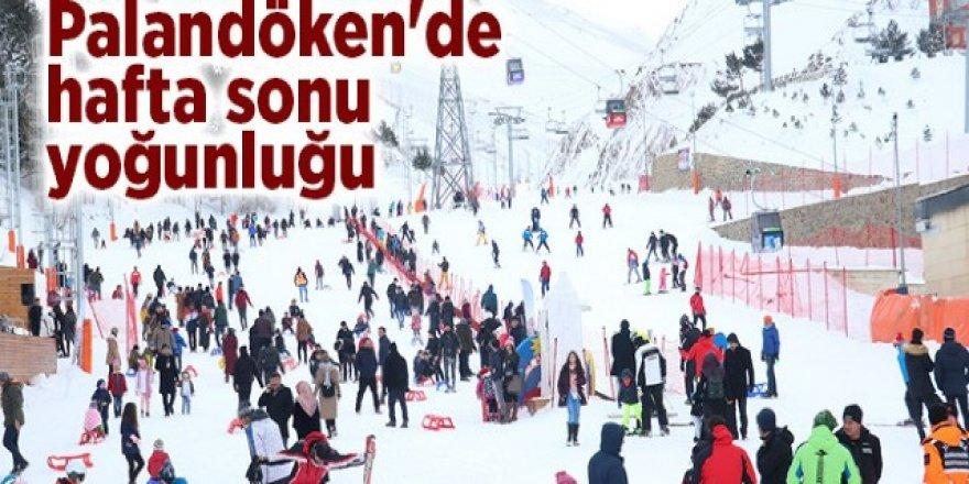 Palandöken Kayak Merkezi hafta sonu kayakseverlerle doldu