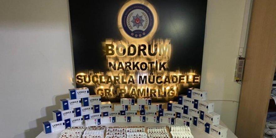 Sahte reçete ile ilaç satarken yakalandılar