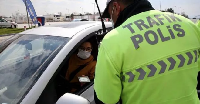 Aracında maske takmadığı için ceza yemişti!