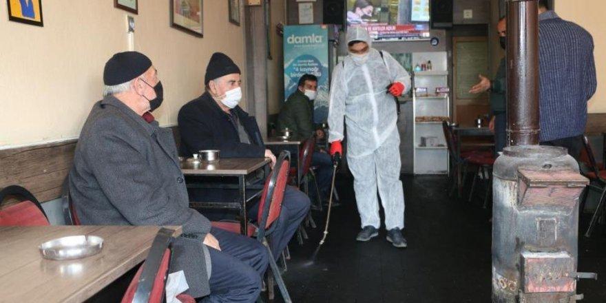 """Aziziye'deki kahvehanelere """"ilk gün"""" sürprizi"""