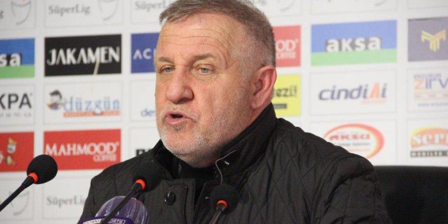 """Bakkal: """"Galibiyet için mücadele eden iki takımın futbolcularını kutluyorum"""""""