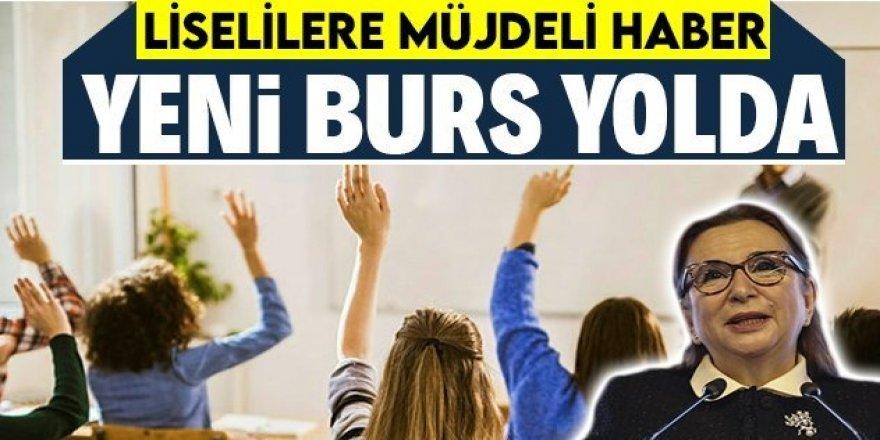 Bakan Pekcan açıkladı: Öğrencilere staj burs ve diğer istihdamı kolaylaştırıcı imkanlar sağlanacak