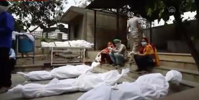 En acı dünya rekoru! Hindistan'da bir günde 6 binden fazla insan öldü