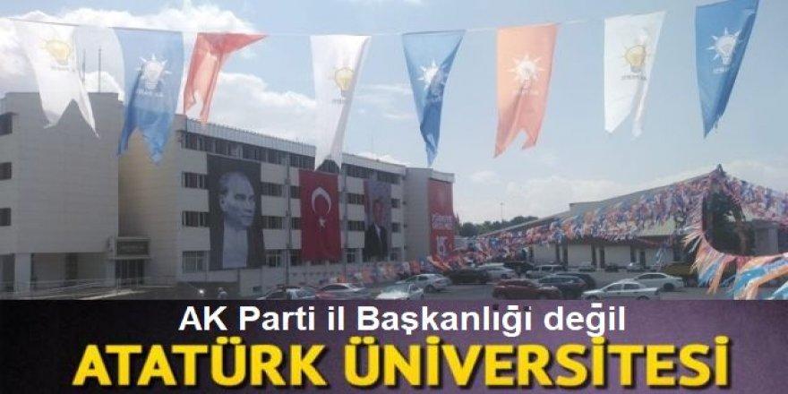 Üniversiteyi AK Parti bayraklarıyla donattılar