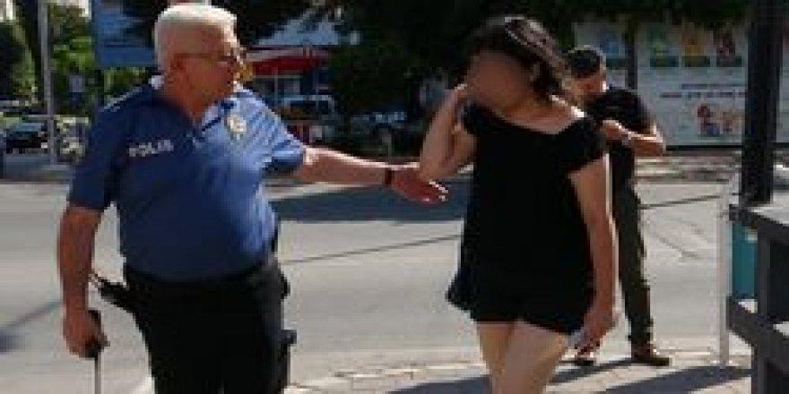 Genç kız, boğazı sıkılarak tecavüze uğradı
