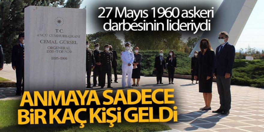 Erzurumlu Cemal Gürsel'i anmaya sadece birkaç kişi geldi