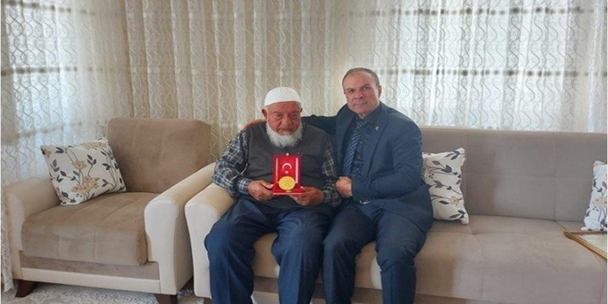 Mehmetçik Vakfı'na anlamlı bağış
